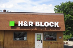 HR Block Sign Installation